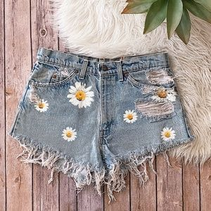 FURST OF A KIND Daisy Cut-Off's